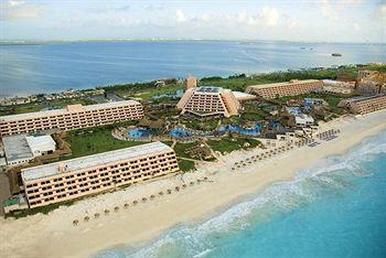 Oasis Cancun