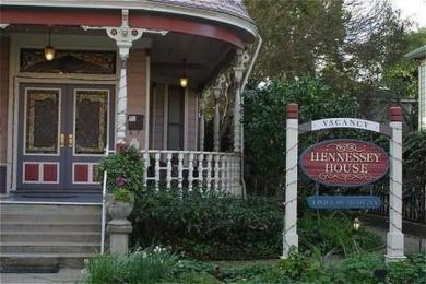 ‪Hennessey House Bed and Breakfast‬