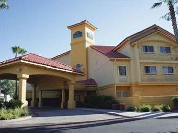 Photo of La Quinta Inn & Suites Tucson Airport