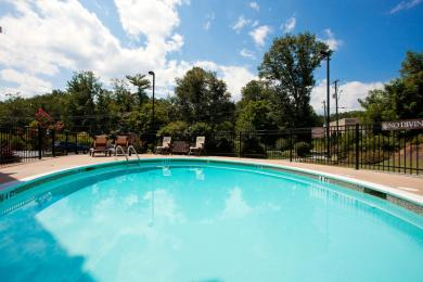 Photo of Country Inn & Suites Asheville West