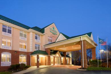 Photo of Country Inn & Suites Newark