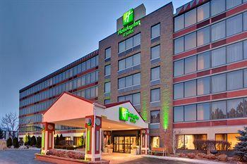 Photo of Holiday Inn Hotel & Suites Warren