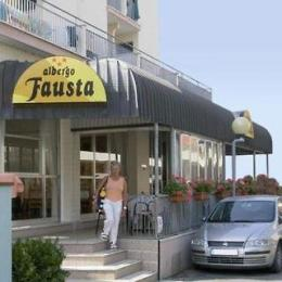 Fausta Hotel