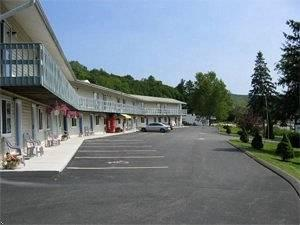Photo of Americas Best Value Inn Lee