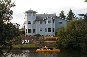 Ocean Shores Gibson's Bed and Breakfast