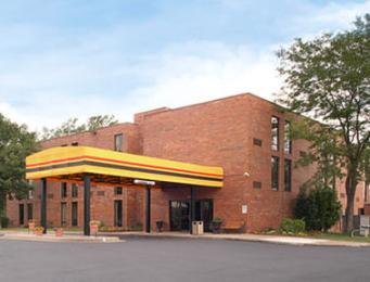 Super 8 Motel - Arden Hills