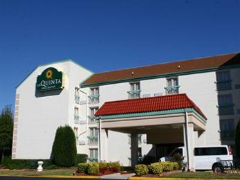 Photo of La Quinta Inn & Suites Atlanta Airport College Park