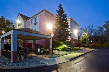 Hawthorn Suites by Wyndham Detroit Auburn Hills
