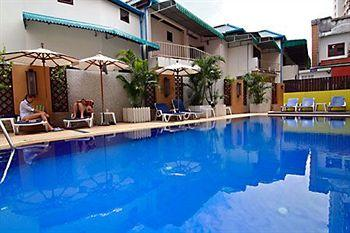 Rattana Beach Hotel