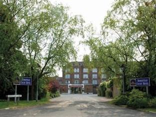 BEST WESTERN Homestead Court Hotel - Welwyn Garden City