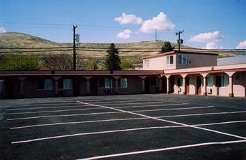 Sunland Inn