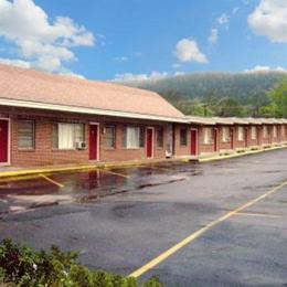 Photo of Shamrock Motel Hot Springs