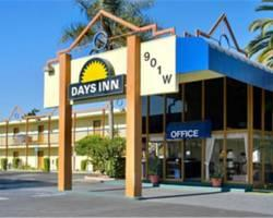 ‪Days Inn Airport Center Los Angeles‬