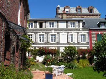 Photo of Jardin Gorbeau Etretat Guesthouse