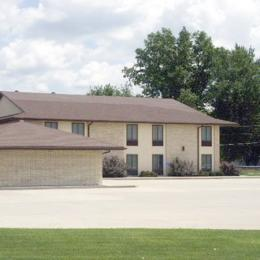 Photo of Pull'r Inn Motel Kalona