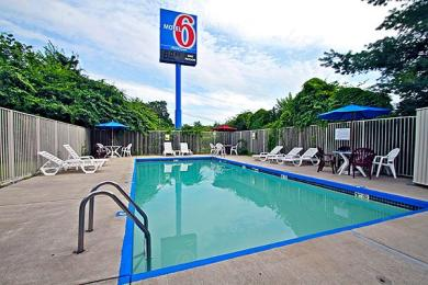 Motel 6 Nashua South