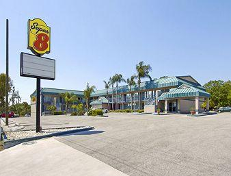 Super 8 Clearwater / US Highway 19 N
