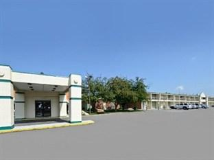 Photo of Americas Best Value Inn Phillipsburg