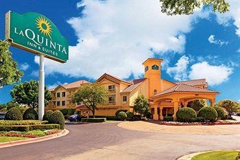 Photo of La Quinta Inn & Suites Airport North Hotel Dallas