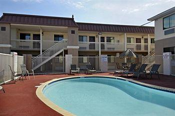 Photo of Red Roof Inn - New Braunfels