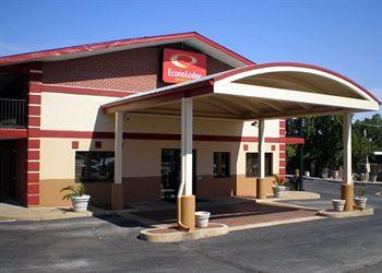 Econo Lodge Inn and Suites Overland Park