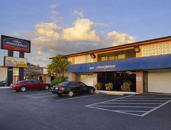 Howard Johnson Hotel - Tampa Airport/Stadium