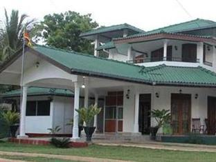 Thilaka Holiday Home