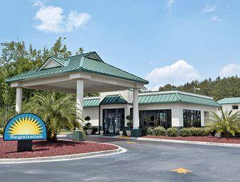 ‪Days Inn Savannah-Richmond Hill‬