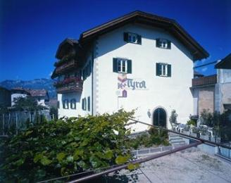 Photo of Hotel Tyrol Ora