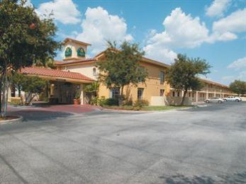 La Quinta Inn San Antonio I-35 N at Rittiman Rd