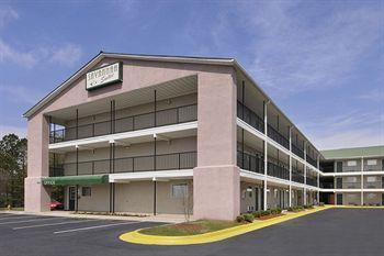 Savannah Suites Jonesboro
