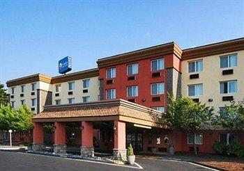 Comfort Inn & Suites Vancouver