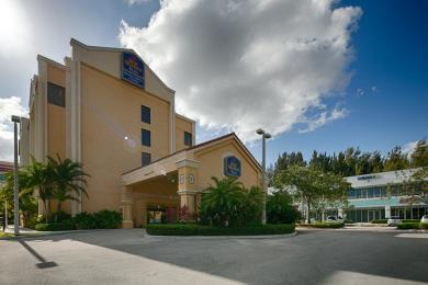 ‪BEST WESTERN PLUS Kendall Hotel & Suites‬