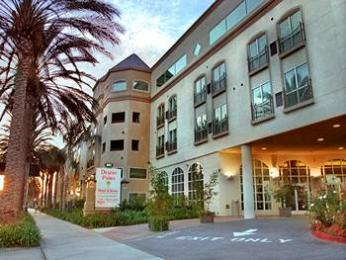 Photo of Desert Palms Hotel &amp; Suites Anaheim
