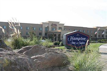‪Hampton Inn & Suites Oakland Airport‬