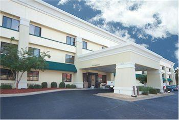 La Quinta Inn & Suites Montgomery Carmichael Road