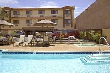 Photo of BEST WESTERN Los Alamitos Inn & Suites