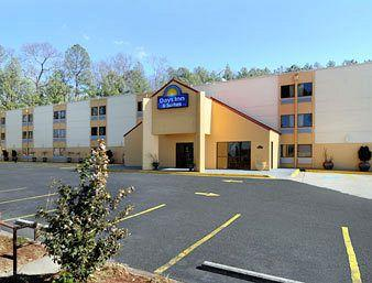 Days Inn & Suites Atlanta Six Flags