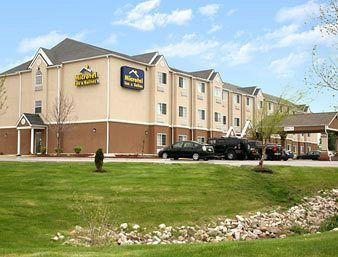 Photo of Microtel Inn & Suites Kansas City