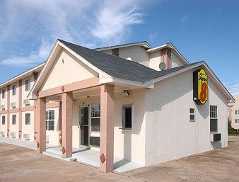 Super 8 Motel Chickasha