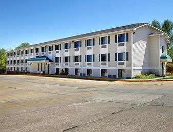 Photo of Super 8 Motel - Coralville