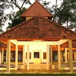 Thanneermukkom Ayurvedic Lake Resort