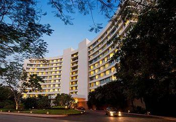 Lakeside Chalet, Mumbai - Marriott Executive Apartments