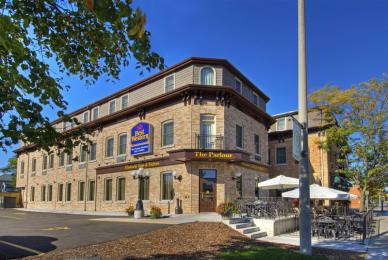 ‪BEST WESTERN PLUS The Parlour Historic Inn & Suites‬