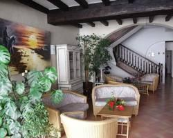 Photo of Hotel Porte de Camargue Arles