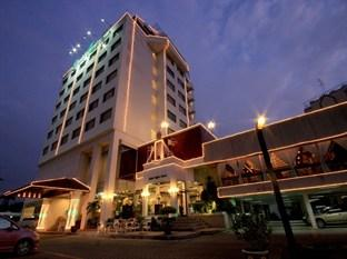 Photo of Louis Tavern Hotel Bangkok