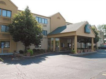Photo of La Quinta Inn Kansas City North North Kansas City