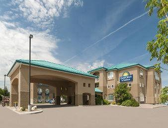 Photo of Days Inn & Suites - Brandon