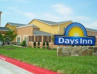 ‪Days Inn & Suites Rockdale Texas‬