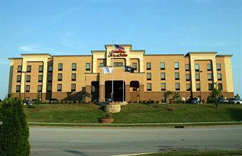 Hampton Inn & Suites Louisville East Hotel